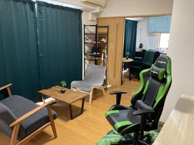 (株)ベースラボラトリー 森の部屋 室内の写真です - 森の部屋 貸し会議室の室内の写真