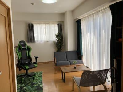 (株)ベースラボラトリー 森の部屋 室内の写真です - 森の部屋 テレワークの室内の写真
