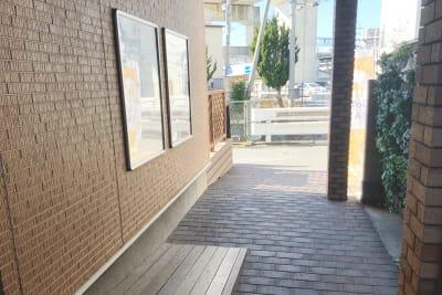 入り口通路の様子。 - 肉バル ビーキッチン 1F レンタルスペースの入口の写真