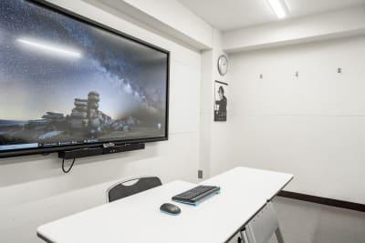 電子黒板兼大型モニター完備 - 渋谷スペース 303の設備の写真