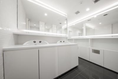 お手洗いは男女別で各階にございます。 - 渋谷スペース  406の設備の写真