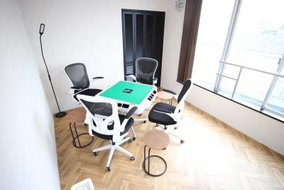 JAN<雀>SPACE 貸切麻雀スペースの室内の写真