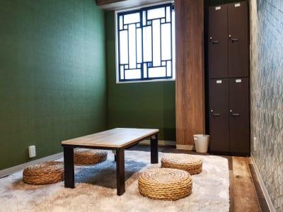 プロジェクター無し風景 - ゲストハウス神戸なでしこ屋 シアタールーム★元町駅徒歩3分の室内の写真
