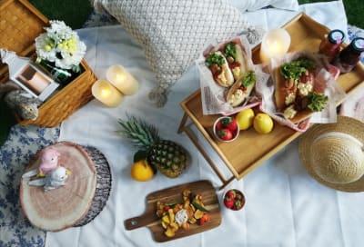 名古屋のど真ん中でピクニックが楽しめます🌸 雨でも感染リスクも少ないお部屋で女子会、ママ会、デートに最適です♡  ※写真は一例です。飲食物は撮影用の為常備しておりません。 - 名古屋TERRACEの室内の写真