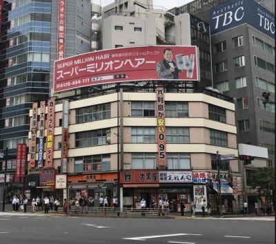 302号室に入って頂くとボックスを横並びで設置しております。 - RemoteBOX新宿南口店 No.6の外観の写真
