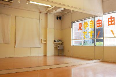 ドットカラーダンススタジオ Cスタジオの室内の写真
