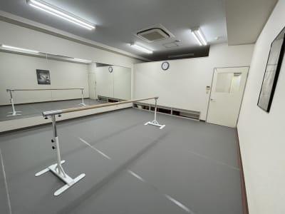 Studio GiGi Giselle Studioの室内の写真