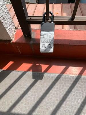玄関前のキーボックスからカードキーを取り出してください。 - テレワークスペースD303 梅田テレワークスペースD303のその他の写真