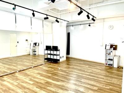 ヨガ・ダンスなどに - レンタルスペースcocoaの室内の写真