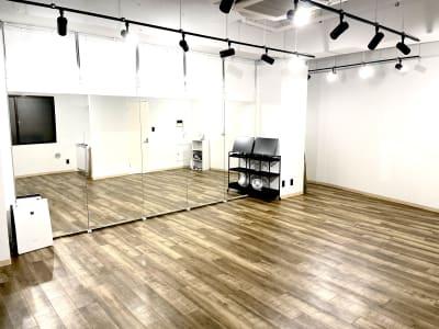 個人練習、スクールに - レンタルスペースcocoaの室内の写真