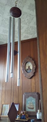 ソルフェジオ周波数のウィンドウ チャイムが玄関にあり心地よい音を奏でます。 - 清香 レンタルサロン・多目的スペースのその他の写真