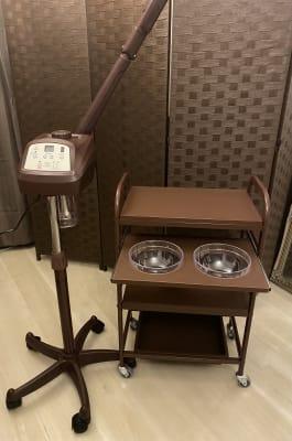 フェイシャルスチーマー、ワゴン - HANA ブラウンルーム ブラウンルームの設備の写真