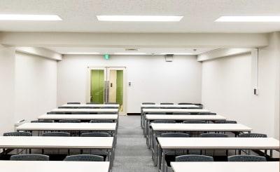 TKPスター貸会議室 川崎駅前 カンファレンスルーム4Bの室内の写真