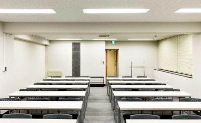 TKPスター貸会議室 川崎駅前 カンファレンスルーム4Cの室内の写真