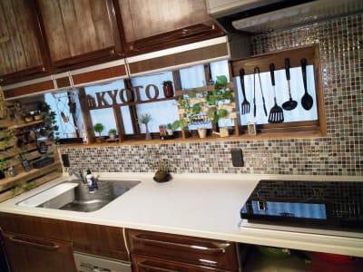 フルサイズのキッチン完備♪ - 花鈴京都 琴音 お洒落カフェ風ダイニングが大人気の室内の写真