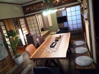 花鈴京都 琴音 お洒落カフェ風ダイニングが大人気の室内の写真
