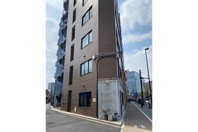 ビルの外観 - 白金台徒歩5分 貸しスペース ワンフロア利用 5階の室内の写真