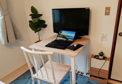 ※ノートパソコン・マウスは設置していません - MTBベースdue(ドゥーエ) 貸し会議室・リモートワークの室内の写真