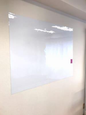 ホワイトボード 90×120 - レンタルサロン GREEN ROOMの室内の写真
