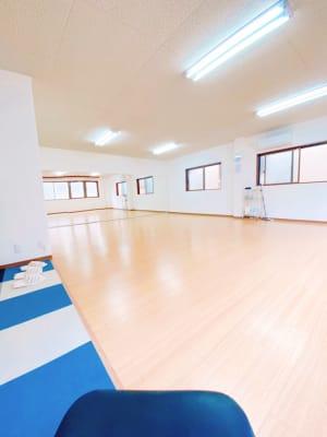 玄関横から見たダンススペースです。 - ダンススタジオFAMFAM レンタルスタジオの室内の写真