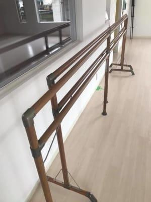 バレエバー - ペティ・ダンススタジオ 2F レンタルスタジオ 2Fの設備の写真