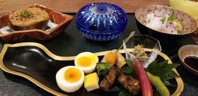 仕出し料理で京都を楽しむのもおすすめ (別途ご注文) - 京都高瀬川の町家  CanalHouseの室内の写真