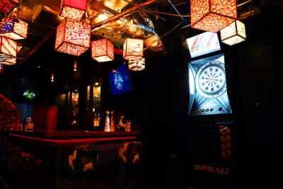 江戸スナック【 みつば 】 豪華絢爛な内装の和風スペースの設備の写真