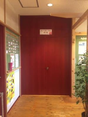 ホール入口 - おしごとカフェ&ホールの入口の写真