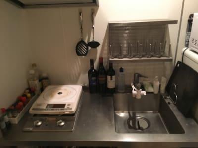 キッチン ※調味料は、常時新品用意ではなく共同使用として置いており、ご了承の上でご利用いただけます。 - 女子会・上映会に!初台駅スグ パーティー/ワークスペースの室内の写真