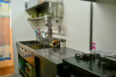 キッチン - シェアースペース アウトサイダー レンタルスペース(ルームA+B)の室内の写真