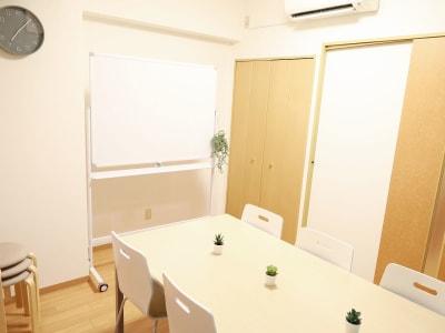 ふれあい貸し会議室新大久保山水林 ふれあい貸し会議室 新大久保Aの室内の写真