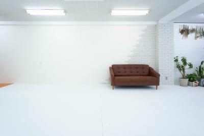 BORDERLESS BORDERLESSみなとみらいの室内の写真