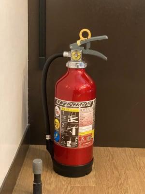 消火器を新しい物に変えました。 - CoCo cafe 貸切イベントスペースの設備の写真