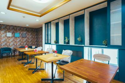 どやねんホテルズ ヤマト プロジェクタ付大人数部屋 #26の設備の写真