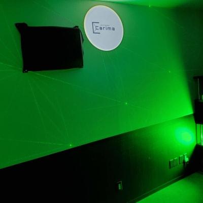 グリーンをメインにした雰囲気で - スタジオカリマ/カリマ松本 ダンス、ヨガ、トレーニングなどにの室内の写真