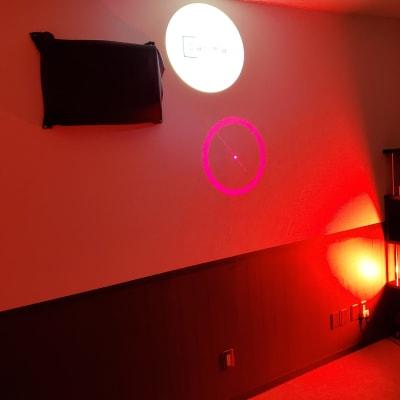 レッドをメインにした雰囲気で - スタジオカリマ/カリマ松本 ダンス、ヨガ、トレーニングなどにの室内の写真