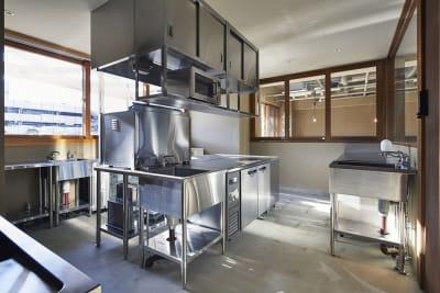 リノア北赤羽つながるば. 北赤羽駅3分業務用シェアキッチンの室内の写真