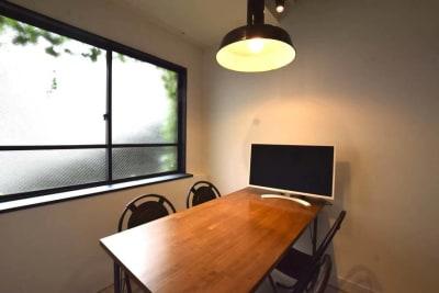 3F貸し会議室 小会議室の室内の写真