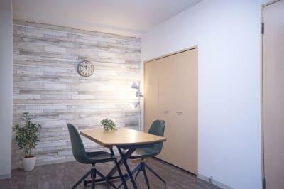 面接などに… - 【リベサロ京都駅前】  レンタルルーム 101号の室内の写真
