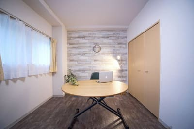 お部屋をまるごと完全貸切できるプライベートルームです - 【リベサロ京都駅前】  レンタルルーム 101号の室内の写真