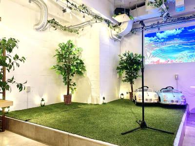 ステージを使ってイベントが盛り上がること間違いなし! - 渋谷ガーデンパティオの室内の写真