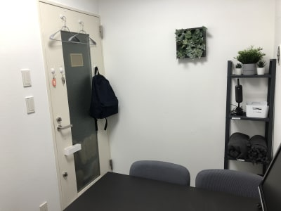 マルチスペース Pave下北沢 会議室、多目的スペースの室内の写真