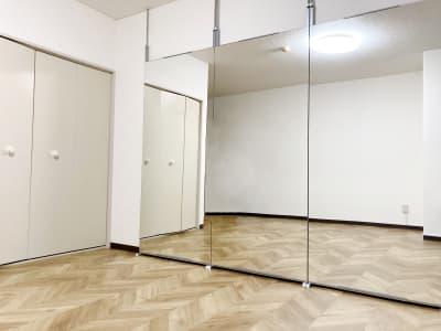 定期利用専用クローゼットもあり。荷物を置いておけます。 - ダンススタジオSooN ダンス・楽器演奏スタジオSooNの室内の写真