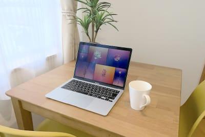 オンライン会議やパソコン作業もはかどります✨ - Ravi荻窪 レンタルスペースの室内の写真