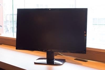モニター貸出無料です。 - 新橋コワーキングスペース Basis Point 6名用会議室 (Room A)の設備の写真