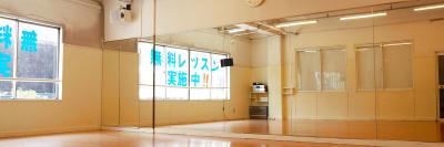 Bスタジオ鏡 - ドットカラーダンススタジオ Bスタジオの室内の写真