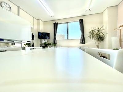 面接・面談 - レンタルスタジオ リル ダンスもできる貸し会議室の室内の写真