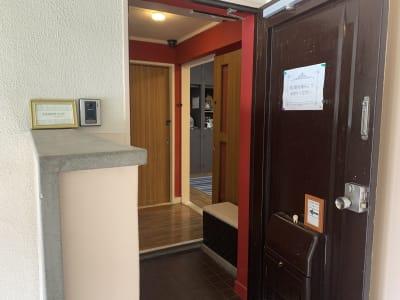メゾン ドゥ ルーム 名東 レンタルスペースの入口の写真