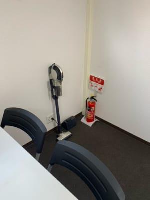 備品:掃除機 - dot7 スタイリッシュスモールオフィスの設備の写真