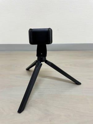 ても小さなスマホ用三脚。下からのアングルで撮影したい場合などに重宝します。 - レンタルスタジオ名城タンツェン 名城タンツェンの設備の写真